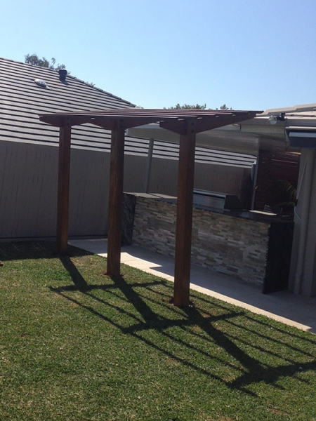 cantilever pergola spotted gum pergola timber pergola mansfield brisbane. Black Bedroom Furniture Sets. Home Design Ideas