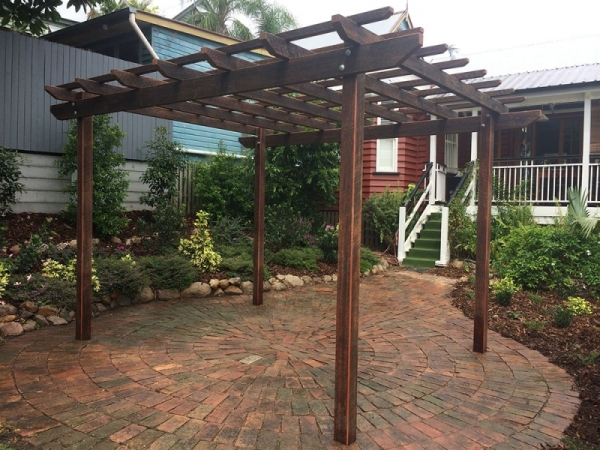hardwood pergola distressed hardwood pergola petrie terrace brisbane. Black Bedroom Furniture Sets. Home Design Ideas